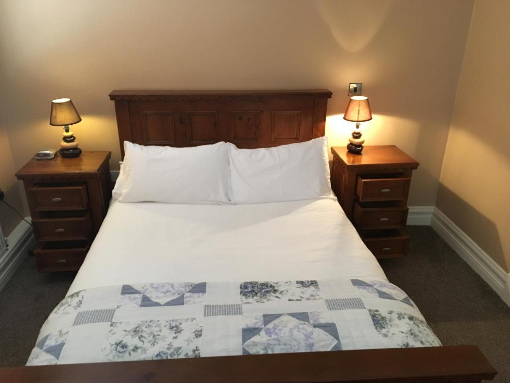 Double Room with Sea View Hopper Inn Guest Accommodation