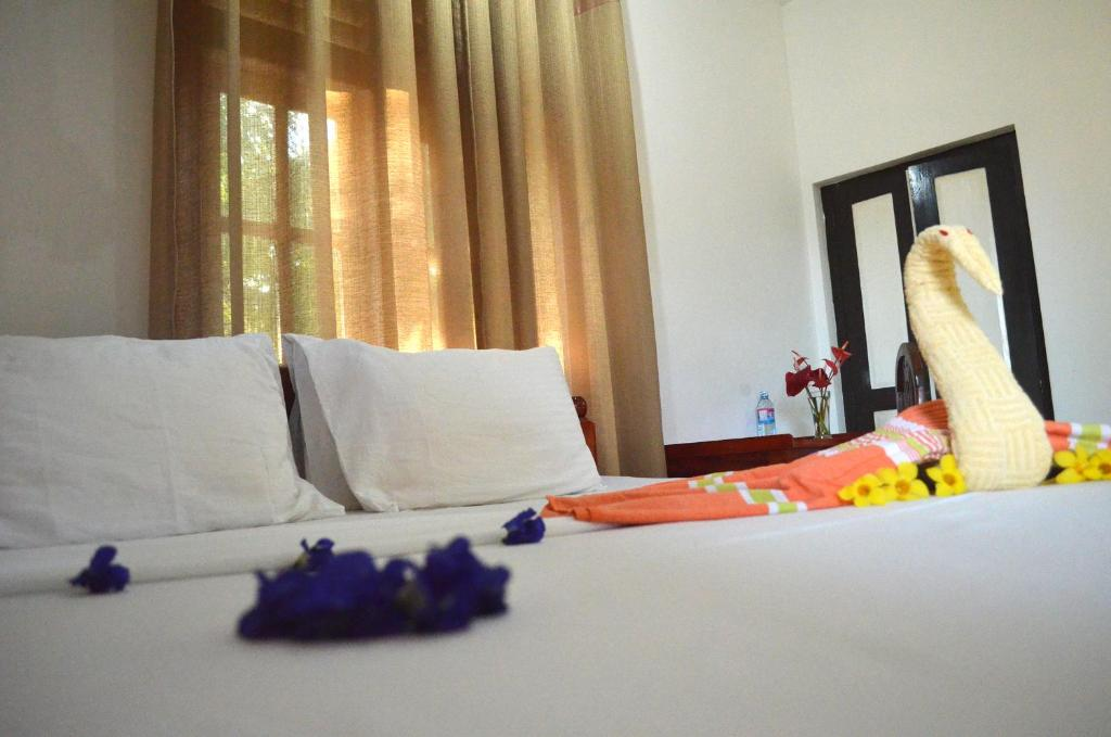 Double Room - Bed Lonely Beach Resort Tangalle