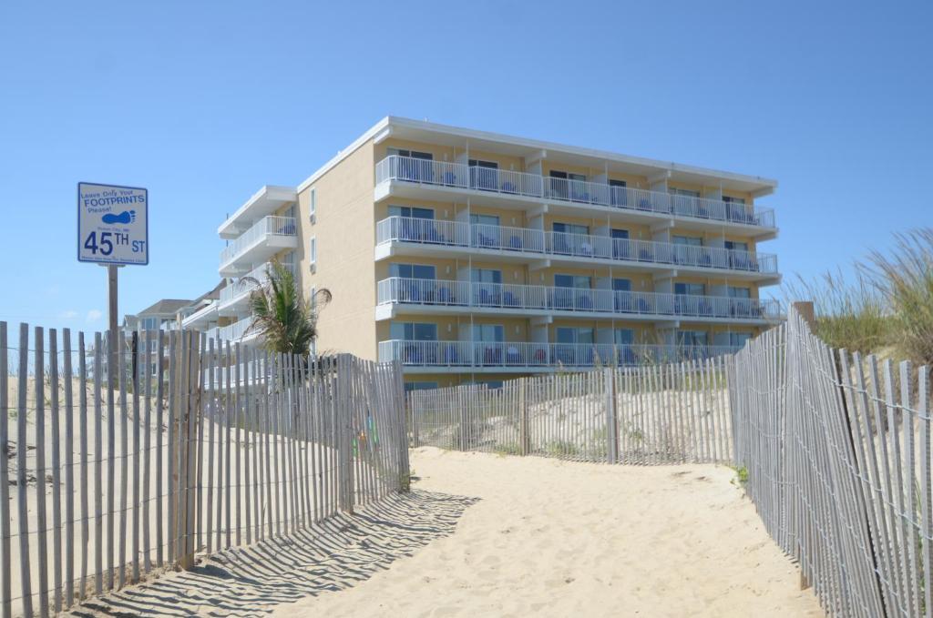 Atlantic Oceanfront Inn photo