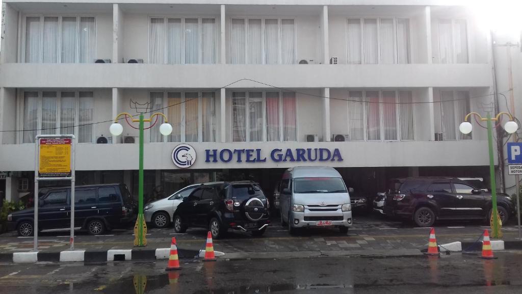 Garuda Hotel In Padang Room Deals Photos Reviews