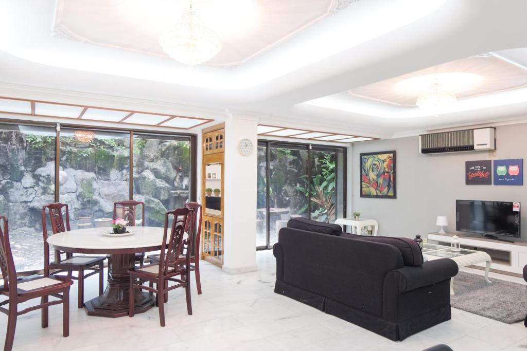 Bangsar Townhouse 3 Level by Perfect Host
