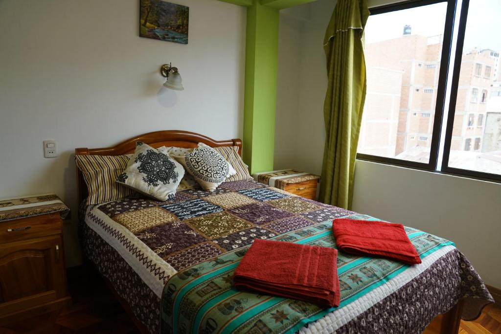 Double Room with Private Bathroom - Guestroom Hostal Iskanwaya