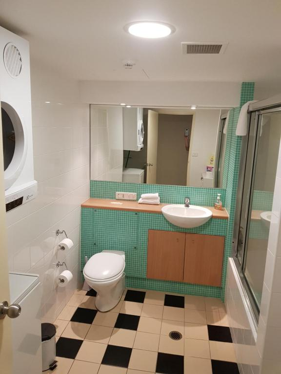 Apartment With Sea View Bathroom By The At Entrance