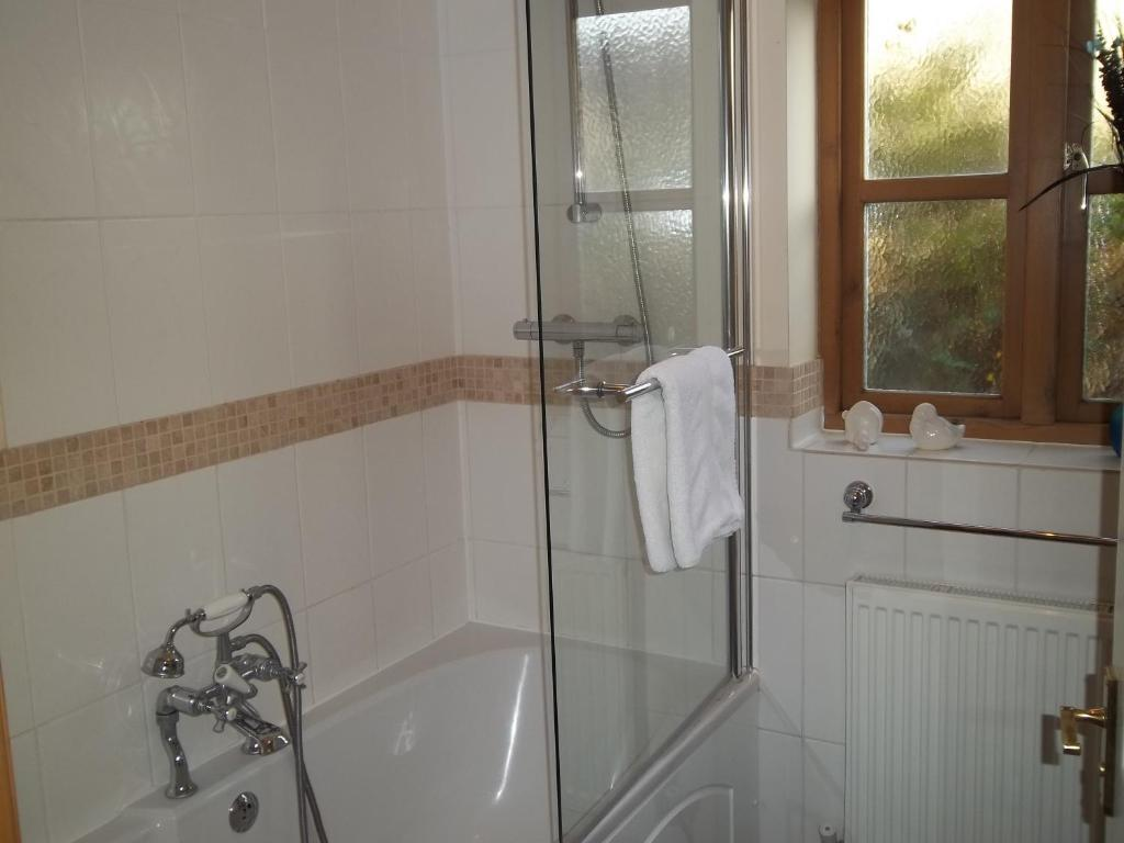 Double or Twin Room with Bath Tub
