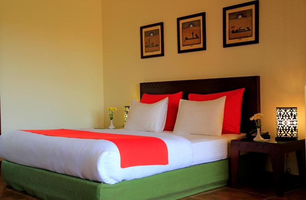 Superior Double or Twin Room with Balcony or Terrace - Bed