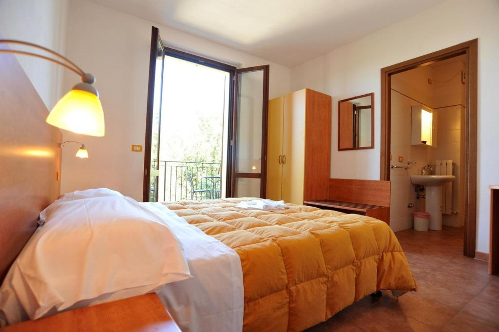 Ristorante La Credenza San Venanzo : Book hotel tulliola in san venanzo italy promos