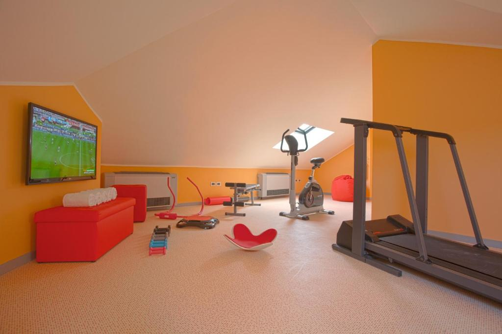 Book Now Best Western Villa Appiani (Trezzo Sulladda, Italy). Rooms Available for all budgets. Parking Wi-Fi and bike rentals are among the freebies found at the Best Western Villa Appiani. Guests also have access to a fitness center children's area and restaurant. The