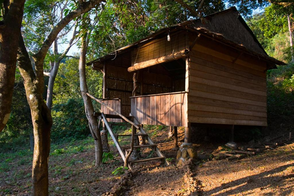Budget Double Room - View Kep Mountain Lodge