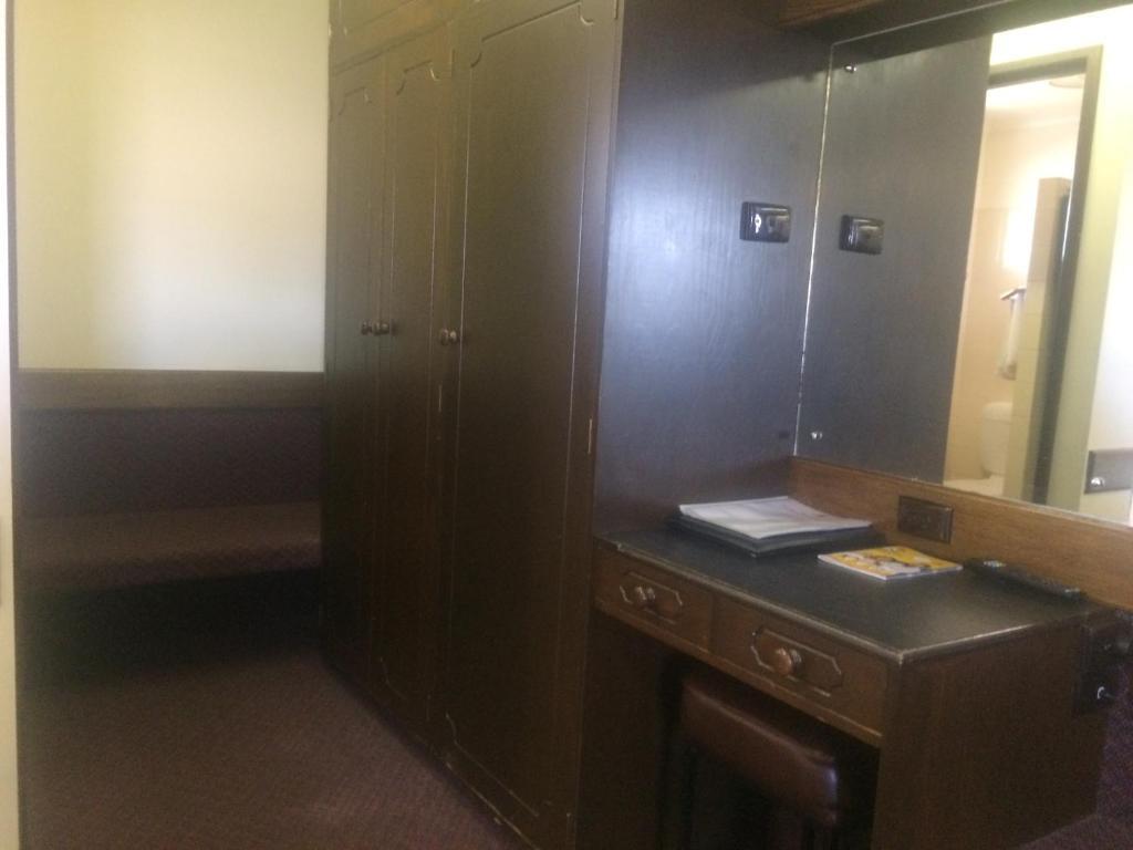 Olde Tudor Hotel In Launceston Room Deals Photos Reviews
