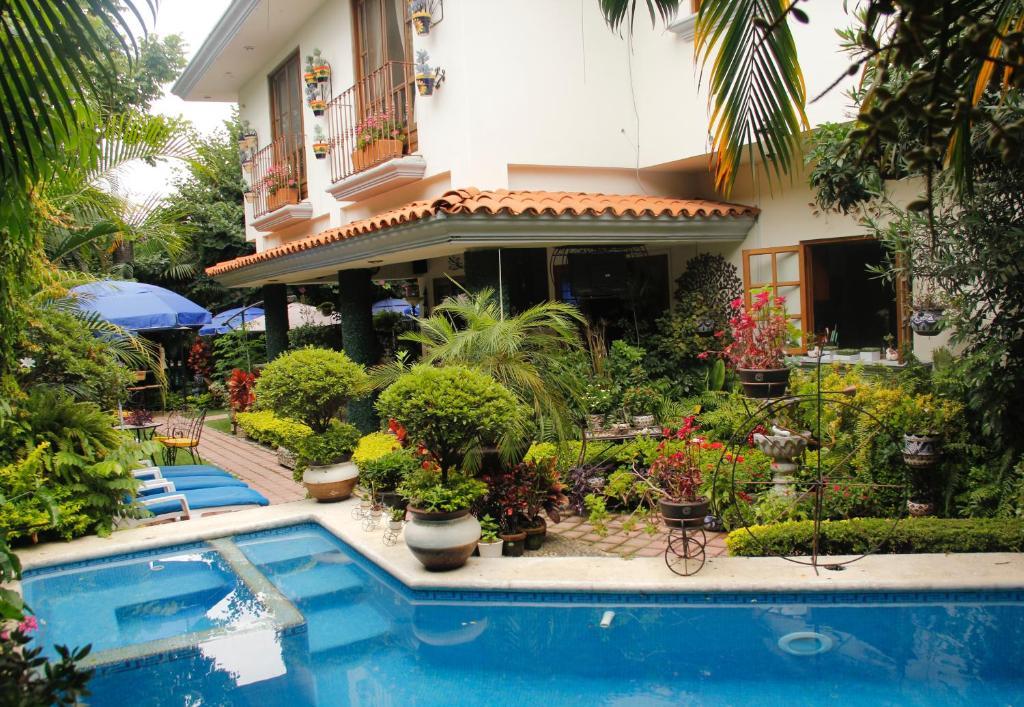 Best Price On El Jardin Del Eden In Cuernavaca Reviews
