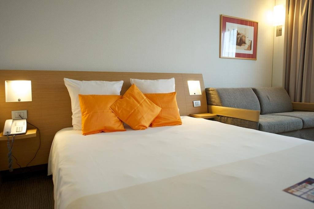 Book Now Novotel Caserta Sud (Recale, Italy). Rooms Available for all budgets. Near the A1 motorway and 2 km from Caserta's historic centre Novotel Caserta Sud offers an excellent position within the Campania region only 22 km from Naples Capodichino Air