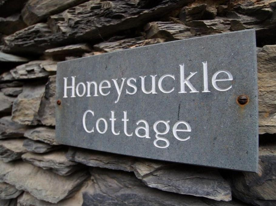 Honeysuckle Cottage, Craig Walk