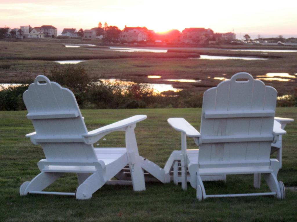 Book Now Mariner Resort (Ogunquit, United States). Rooms Available for all budgets. This Ogunquit resort is located on the Tidal Marsh 15 minutes' walk from Footbridge Beach. It features indoor and outdoor pools a volleyball court and rooms with free Wi-Fi.A