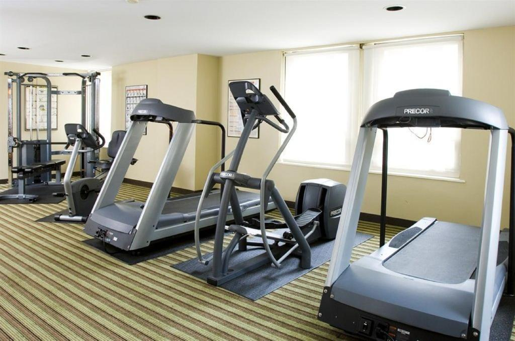 Book Now The Inn of Chicago (Chicago, United States). Rooms Available for all budgets. An on-site fitness center and a downtown Chicago location please guests who visit the non-smoking Inn of Chicago. The 22-floor Inn of Chicago has 359 rooms featuring beds with