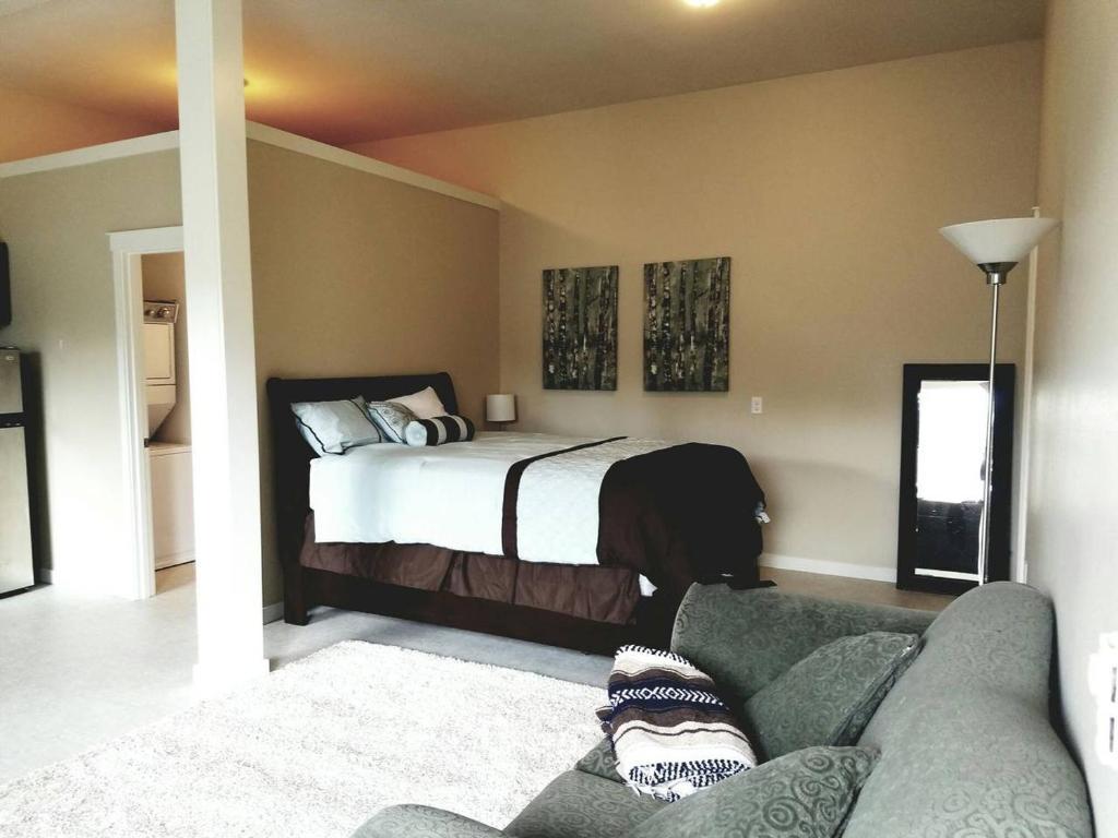 Quiet Lake Mcdonald Studio Apartment In Renton Wa Room Deals