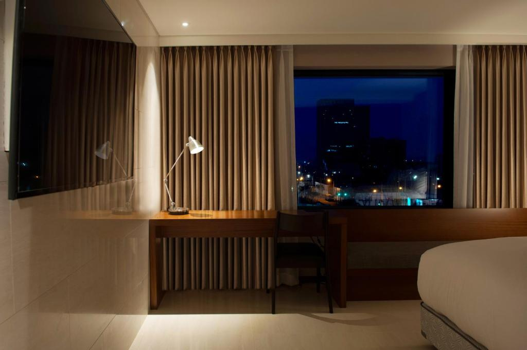 Deluxe Double Room with City View Top Cloud Hotel Gwangju