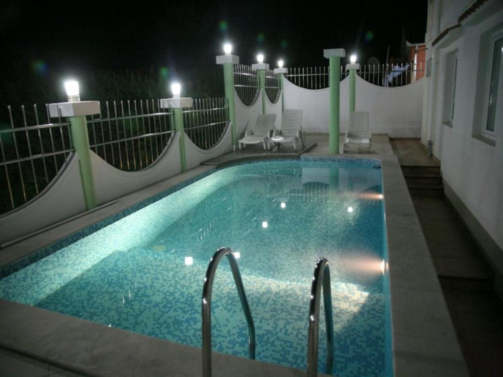 Piscina Apartments Villa Happy