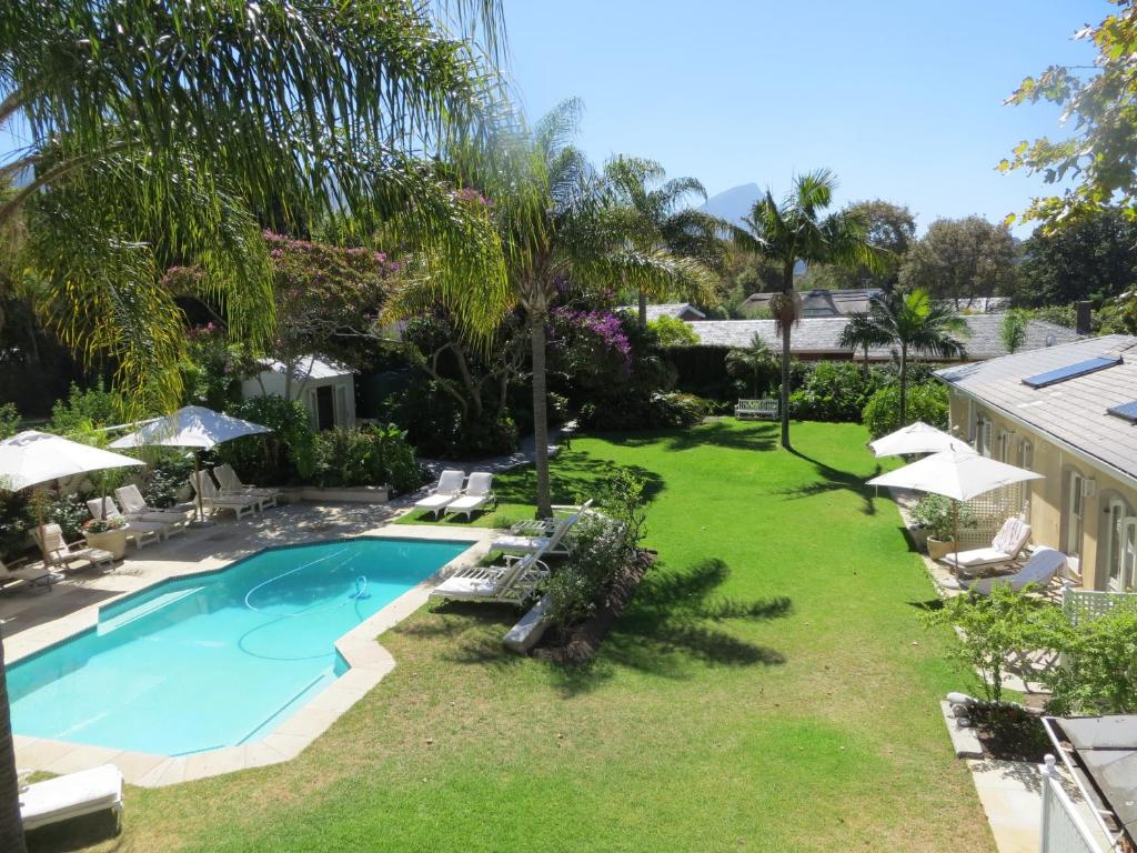 Swimming pool Constantia Valley Lodge