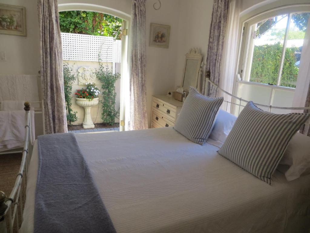 Budget Double Room Constantia Valley Lodge