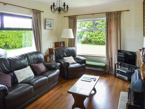 Best Price on Errigal, Rosslare Strand in Mooncoin Village +