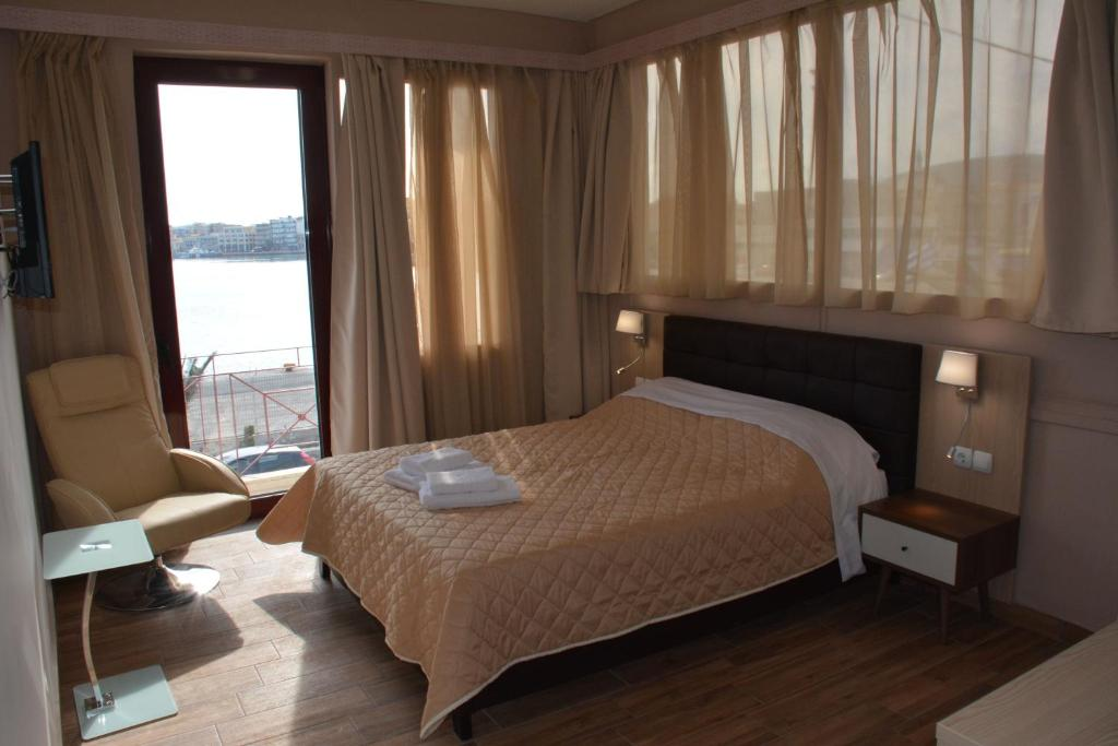 Superior with Port View - Kamar Tidur City Point Chios