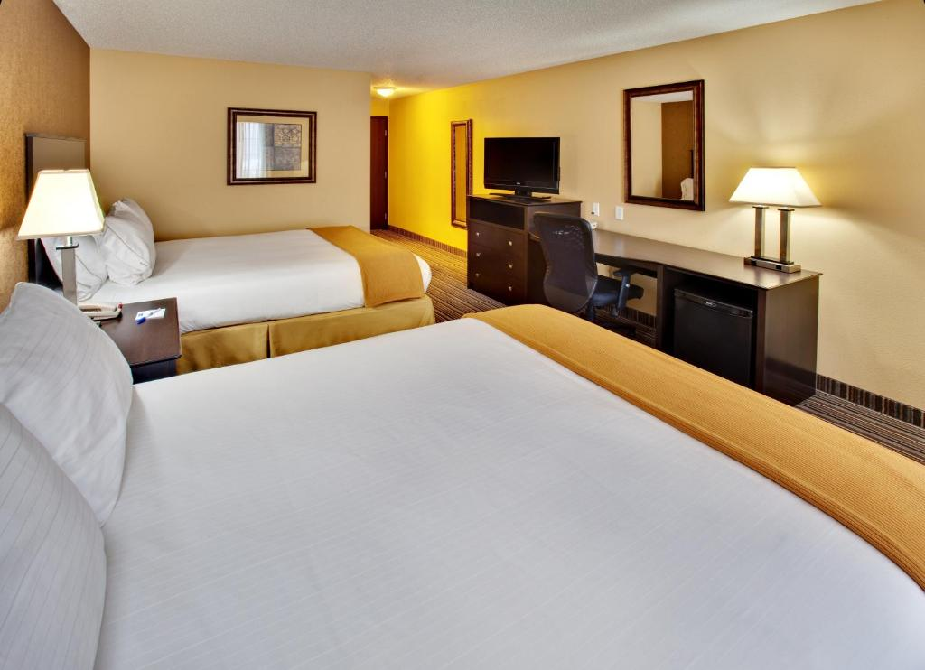 Holiday Inn Express Hotel Amp Suites Council Bluffs In