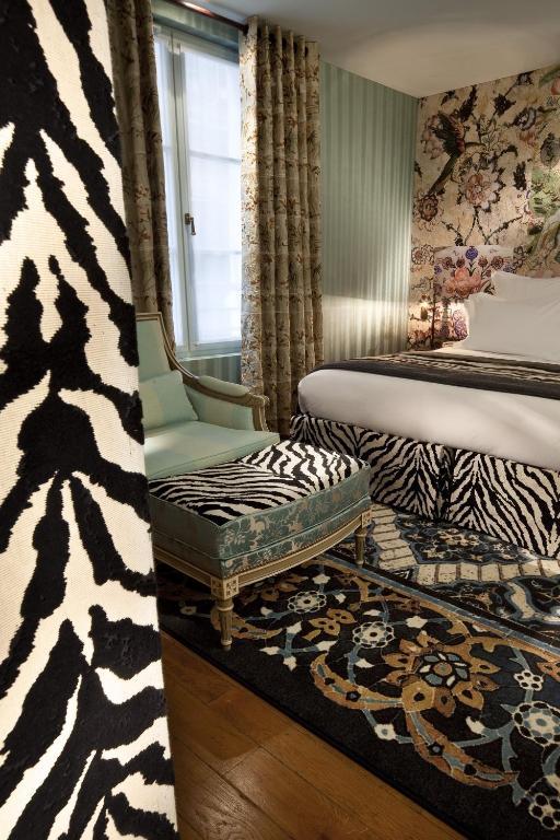 hotel du petit moulin r servation gratuite sur viamichelin. Black Bedroom Furniture Sets. Home Design Ideas
