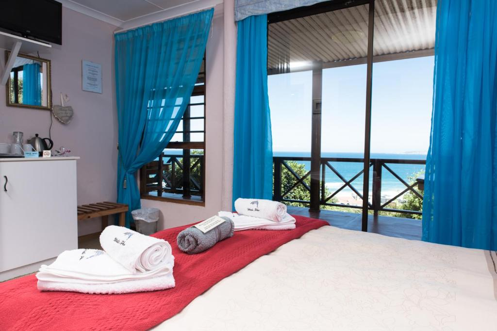 Double Room with Ocean View At Whale-Phin Guest House