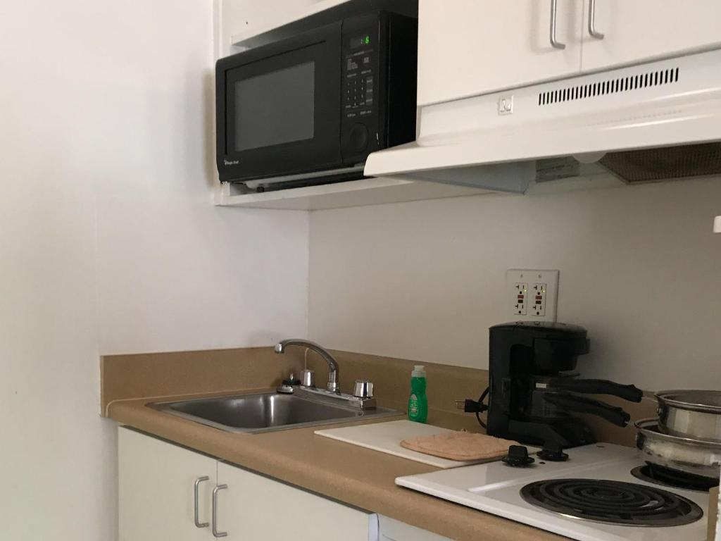 Queen room with kitchen non smoking