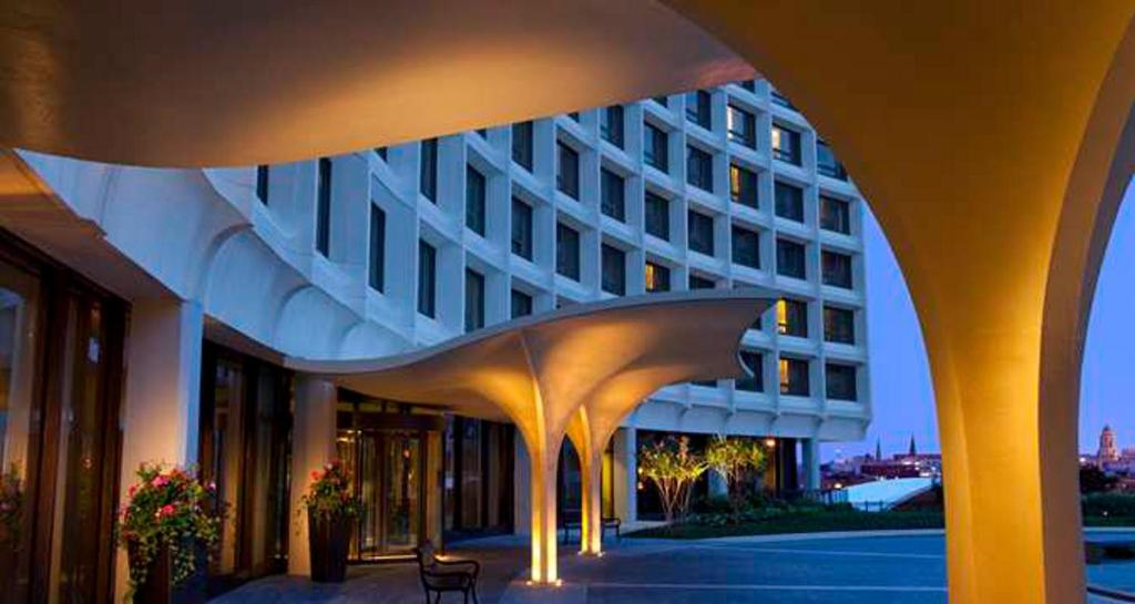 Book Now Washington Hilton (Washington, United States). Rooms Available for all budgets. A landmark DC hotel near Dupont Circle with city views and on-site dining the Washington Hilton offers an array of amenities and services that satisfy our's business and leisu