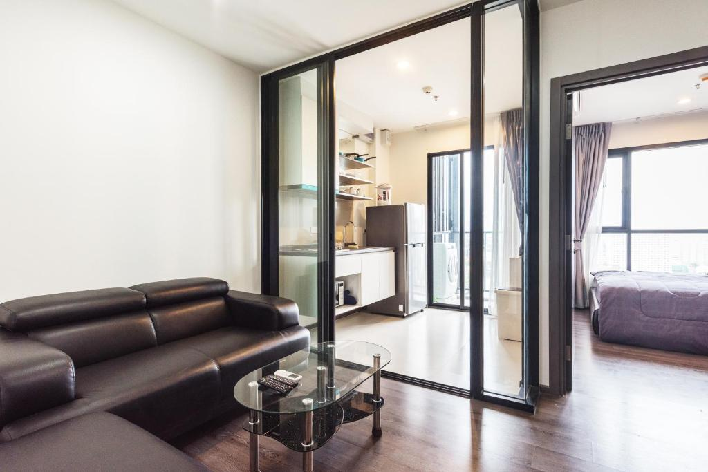 Apartemen THE BASE PARK WEST By Favstay