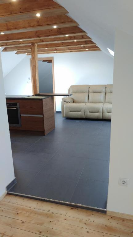 Superb attic apartment TLA/TDY 5 min from Ramstein US Air Base