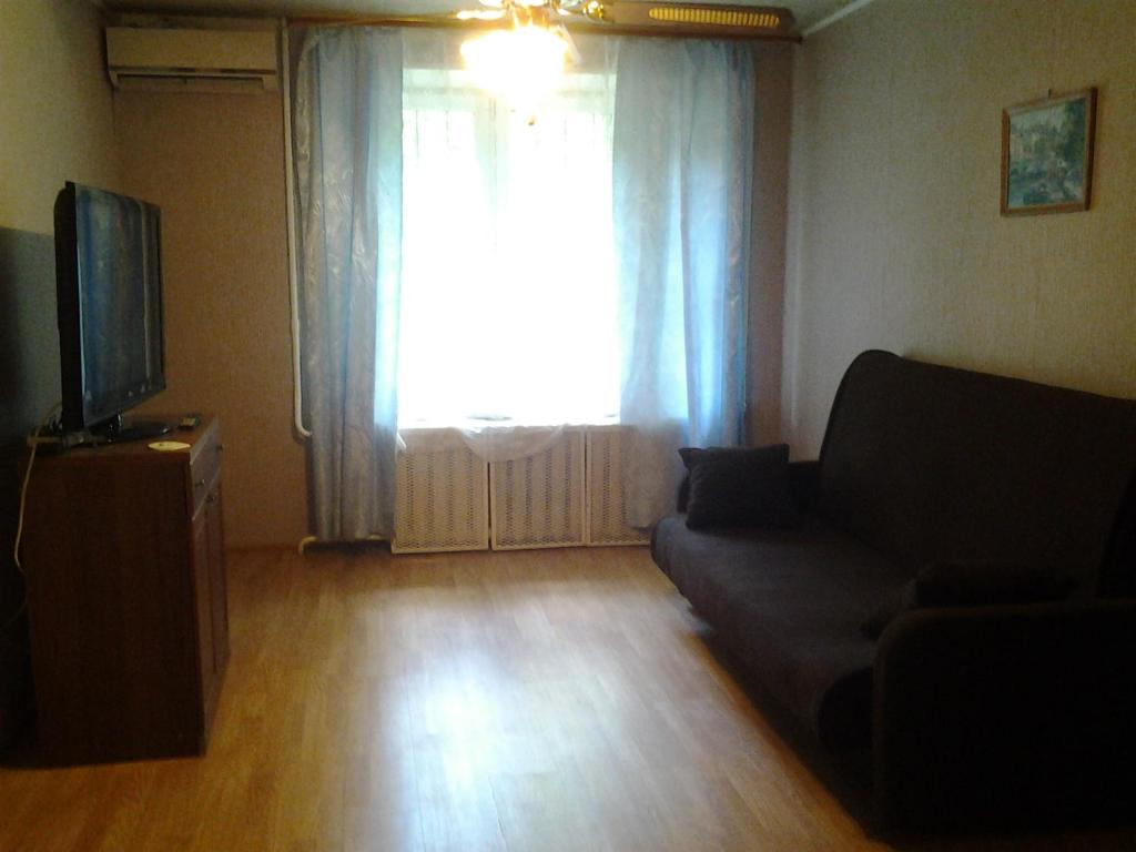 Apartment on Podemnyi 3
