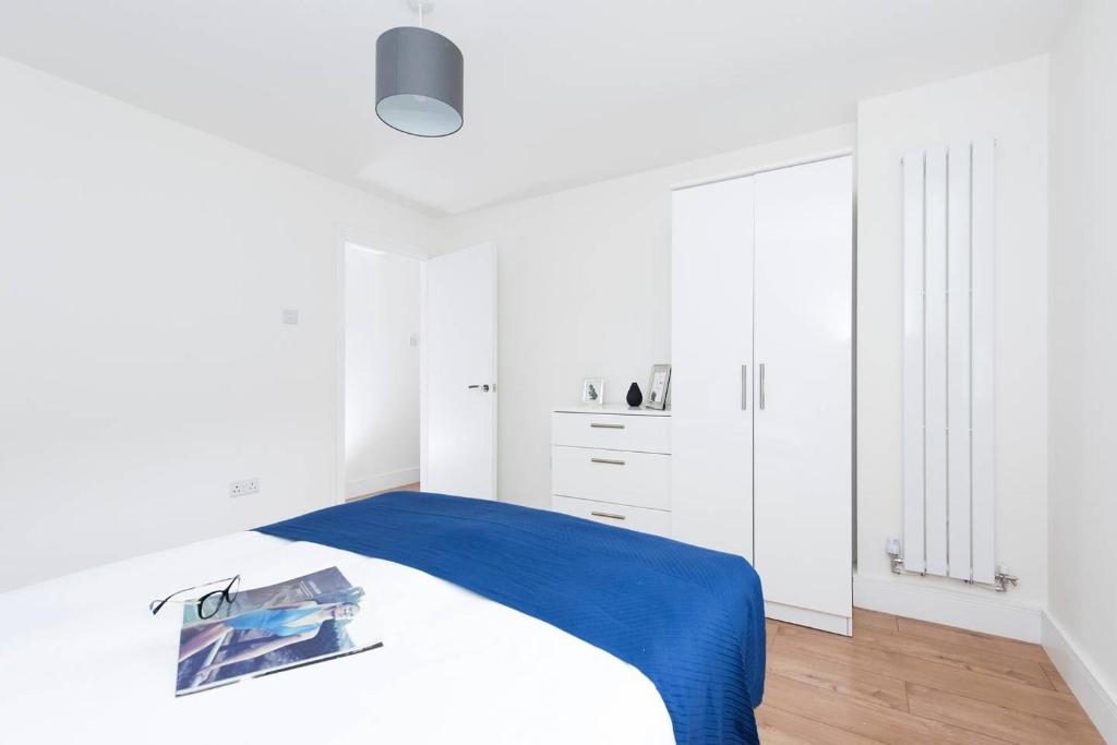 Stylish 2BR apartment near Tower of London