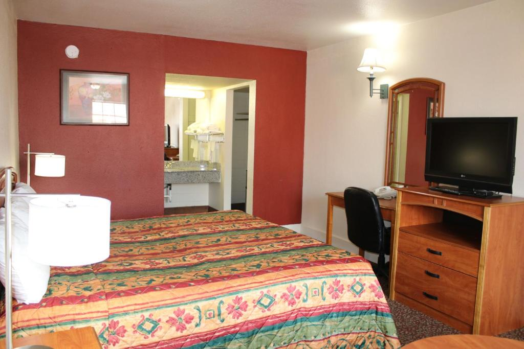 Travel Inn San Antonio Lackland Sea World In San Antonio Tx Room