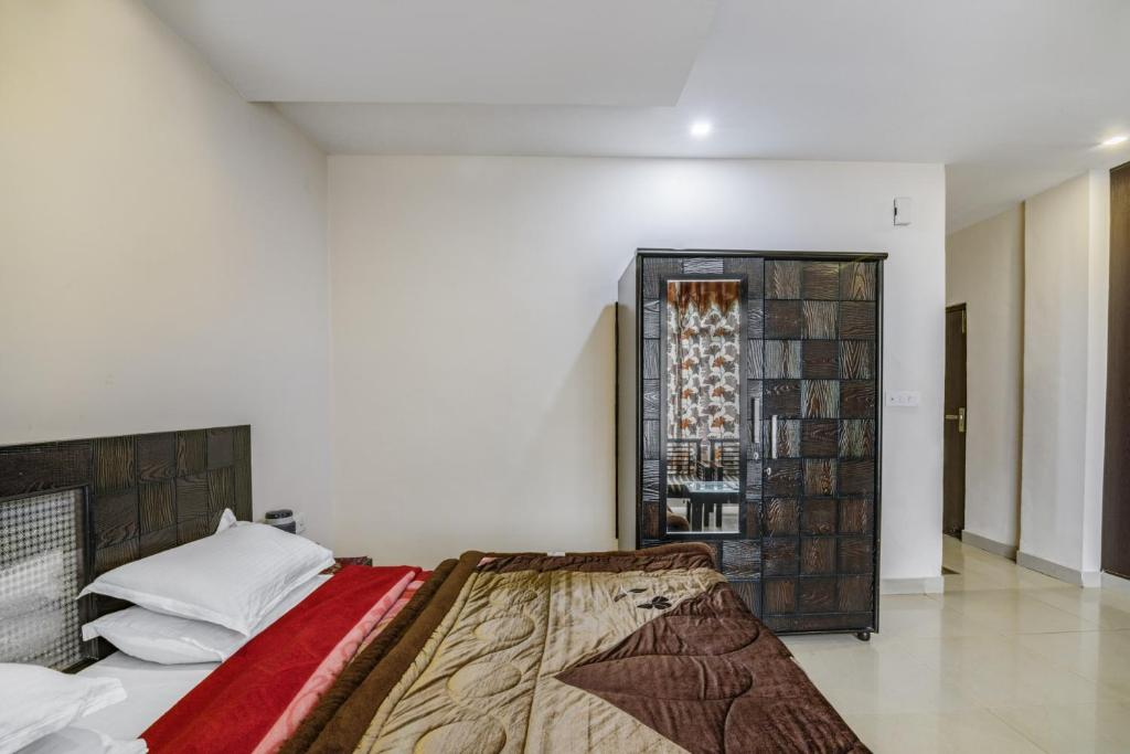 50sqm 1 bedroom, 1 Private bathroom  in Moti Tiba (GuestHouser 1 BR Boutique stay in Club Road, Dalhousie (9EAC))