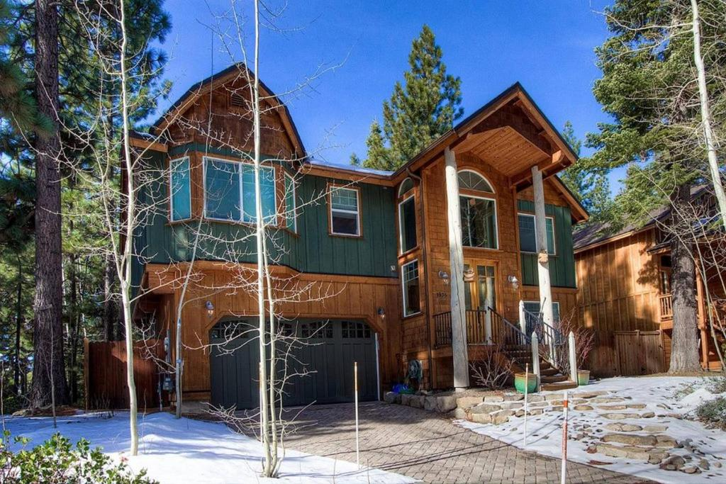 4 Bedrooms Home in South Lake Tahoe #1016