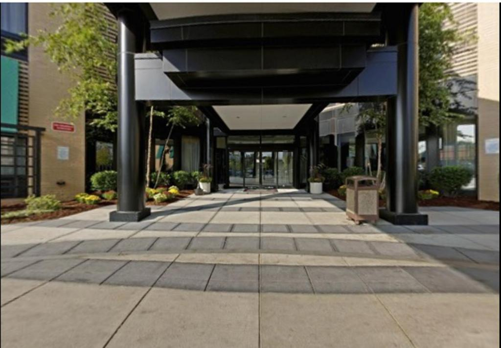 Book Now Courtyard By Marriott Boston-South Boston (Boston, United States). Rooms Available for all budgets. Free Wi-Fi complimentary parking and an indoor pool and hot tub appeal to our guests at the non-smoking Courtyard by Marriott South Boston. With a streamlined facade and an en