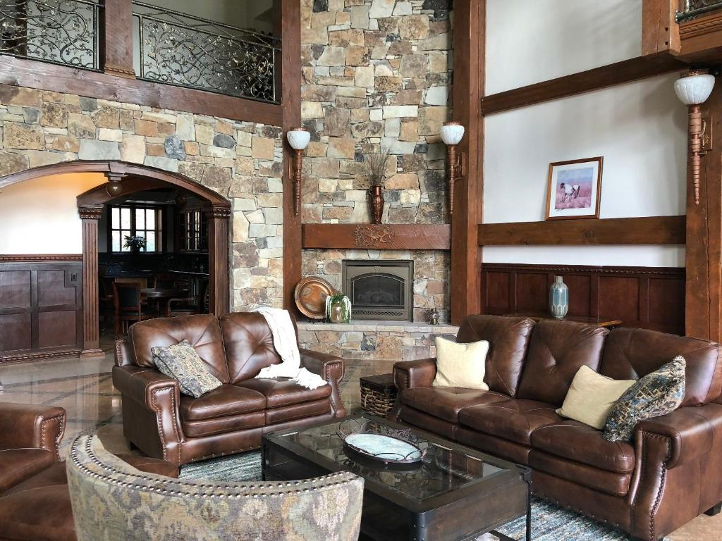 See all 6 photos Five Bedroom on Cove Hollow