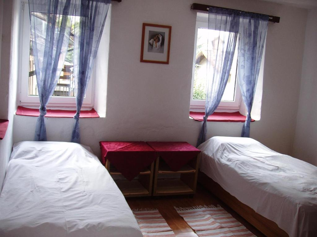 Budget Twin Room B&B Ferradina 8A