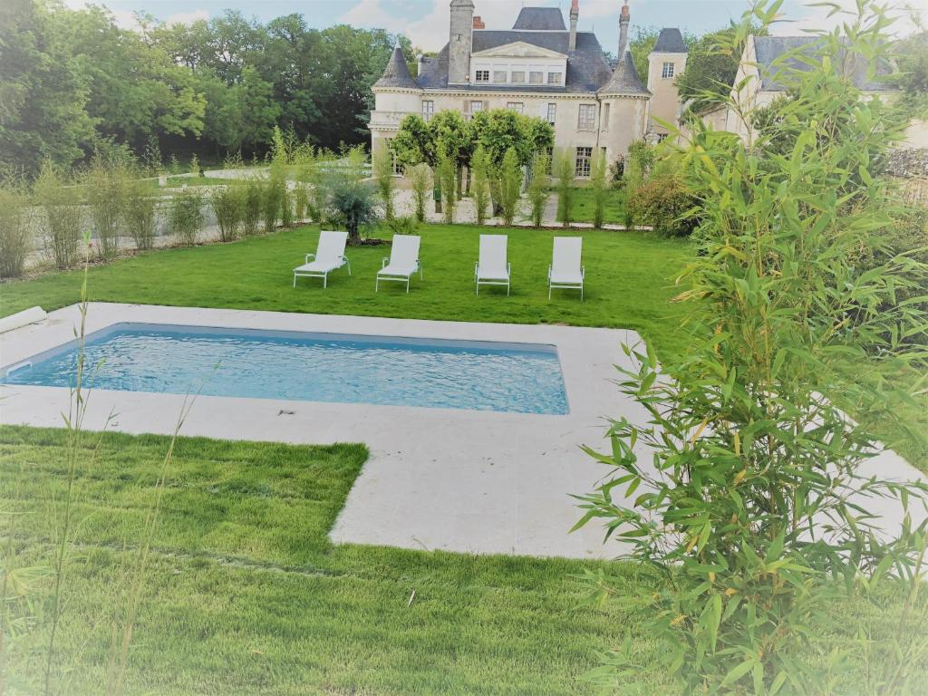 Holiday Home Cottage du chateau for 4 people – 90 m²- 2 bedrooms – 2 bathrooms – pool