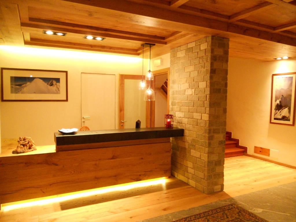 Book Now Hotel Dufour (Gressoney la Trinite, Italy). Rooms Available for all budgets. The Dufour is a typical Alpine hotel next to Punta Jolanda chair lift in the Monterosa Ski Resort. It offers a wellness centre a traditional restaurant free parking and WiFi.A