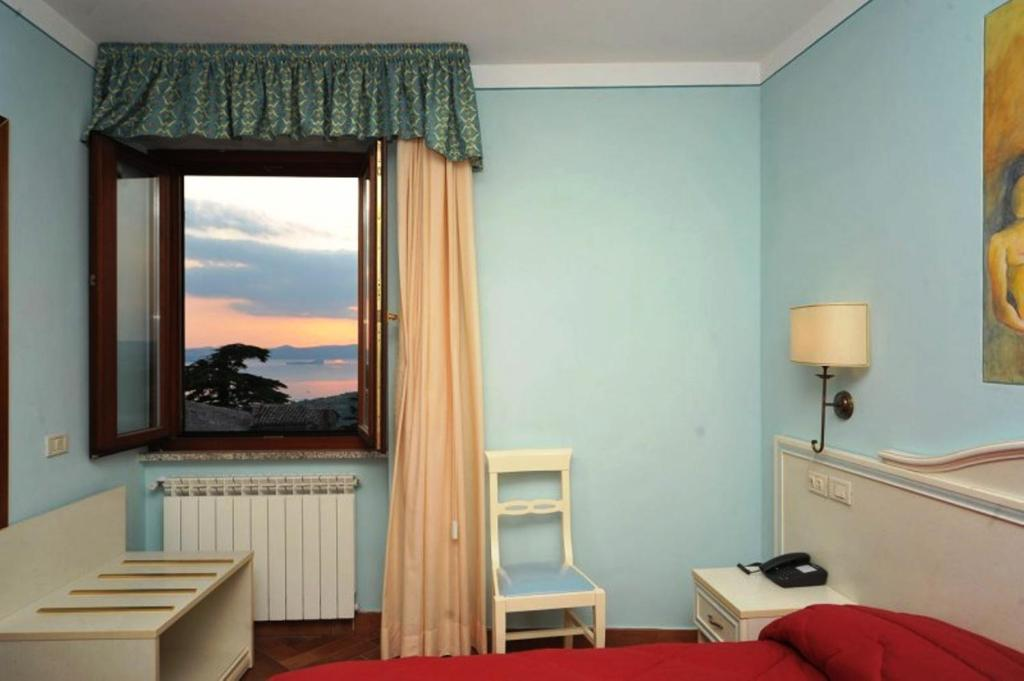 Double or Twin Room with Lake View Ristorante Albergo Dante