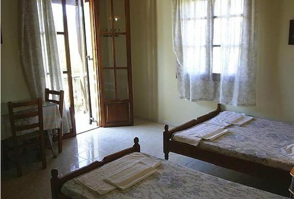 Studio (2 Adults) - Guestroom Anthipi Rooms