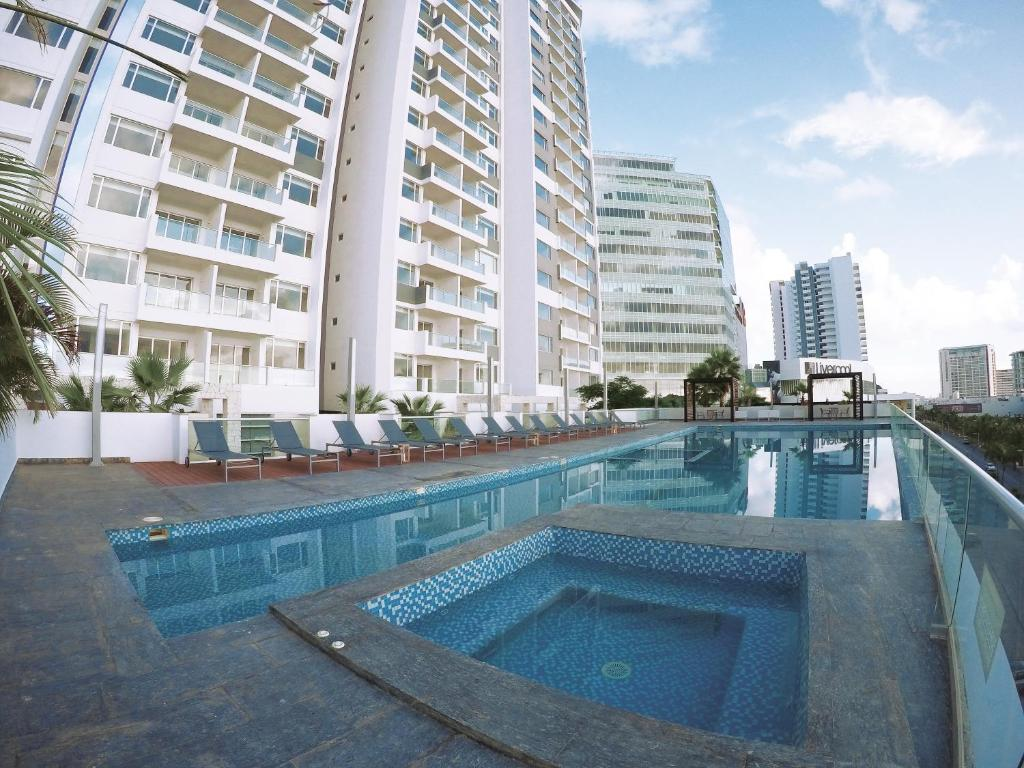 Swimming pool Malecon Rentals