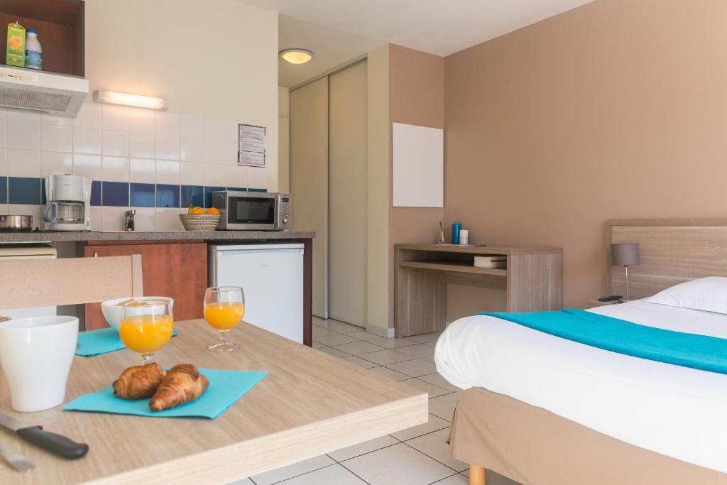Best Price On Univea Suites Confort Nantes La Beaujoire In Nantes