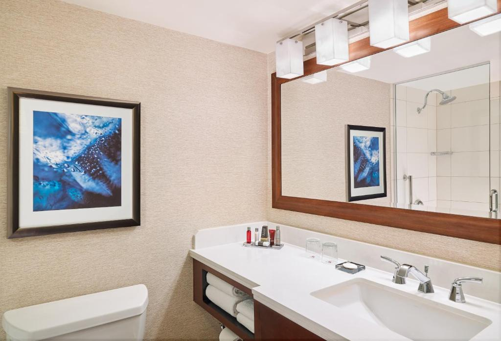 Chicago Marriott O Hare In Chicago Il Room Deals Photos Reviews