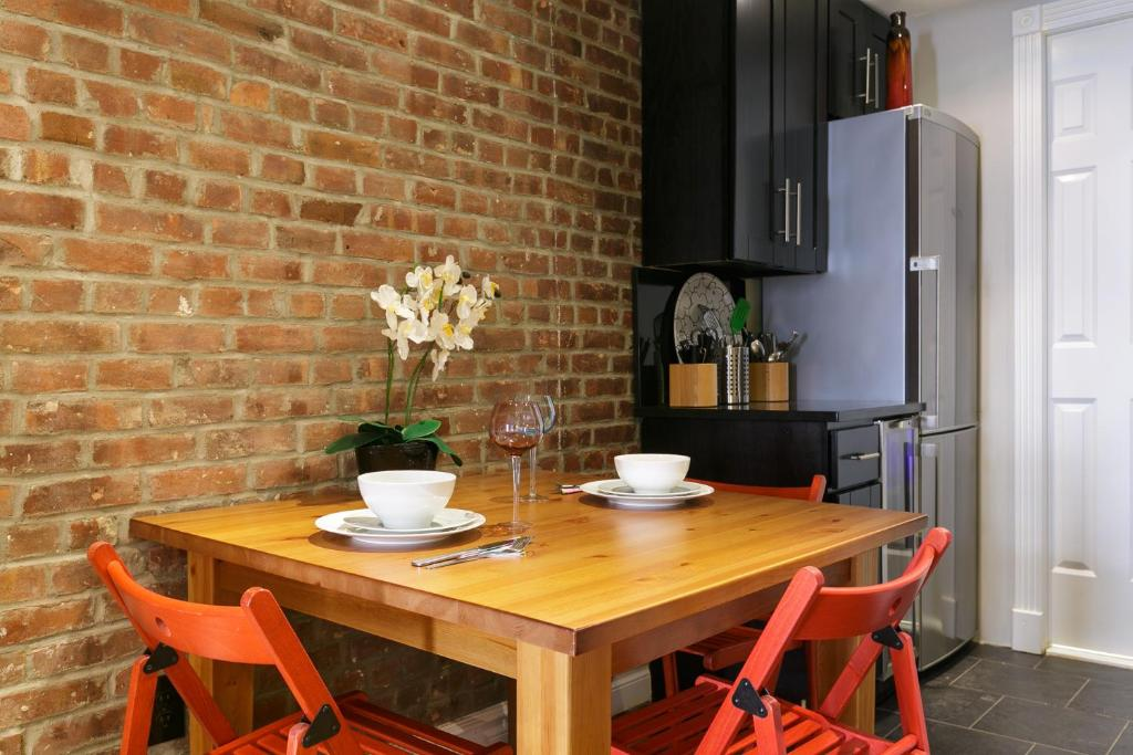 See all 6 photos Times Square Holiday Rental Loft!