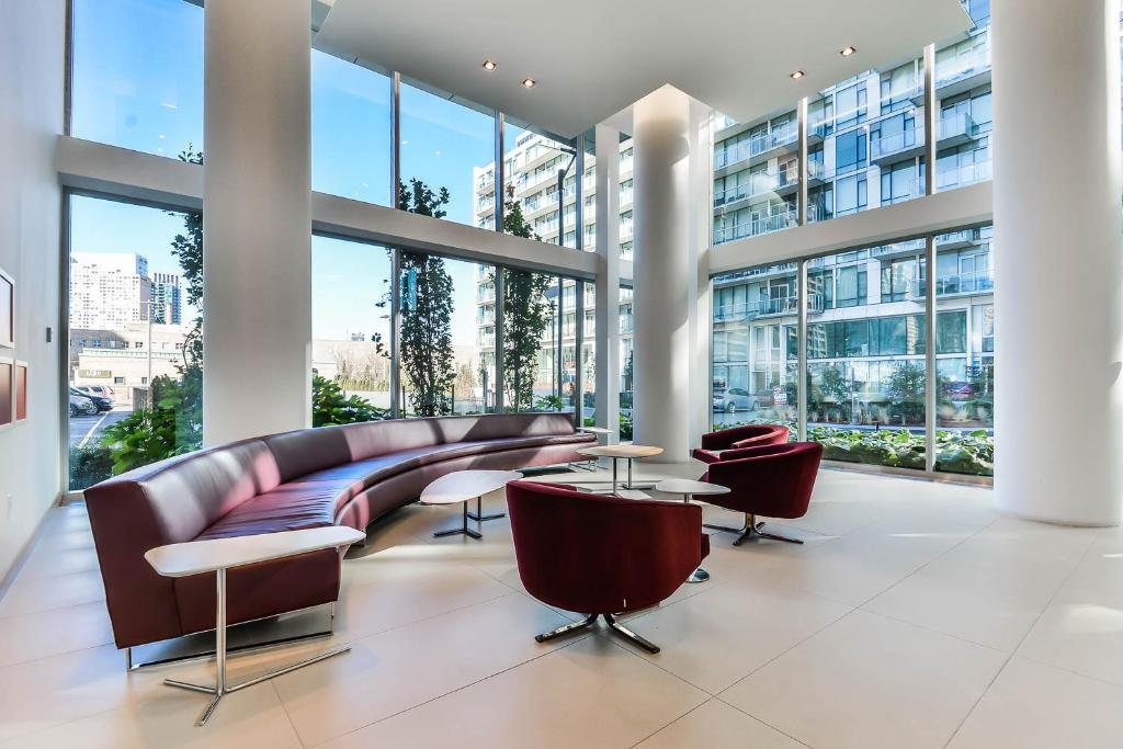 Lobby Kingdom Stays - Queens Quay Suite