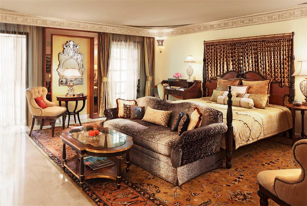 Guestroom Rambagh Palace Hotel